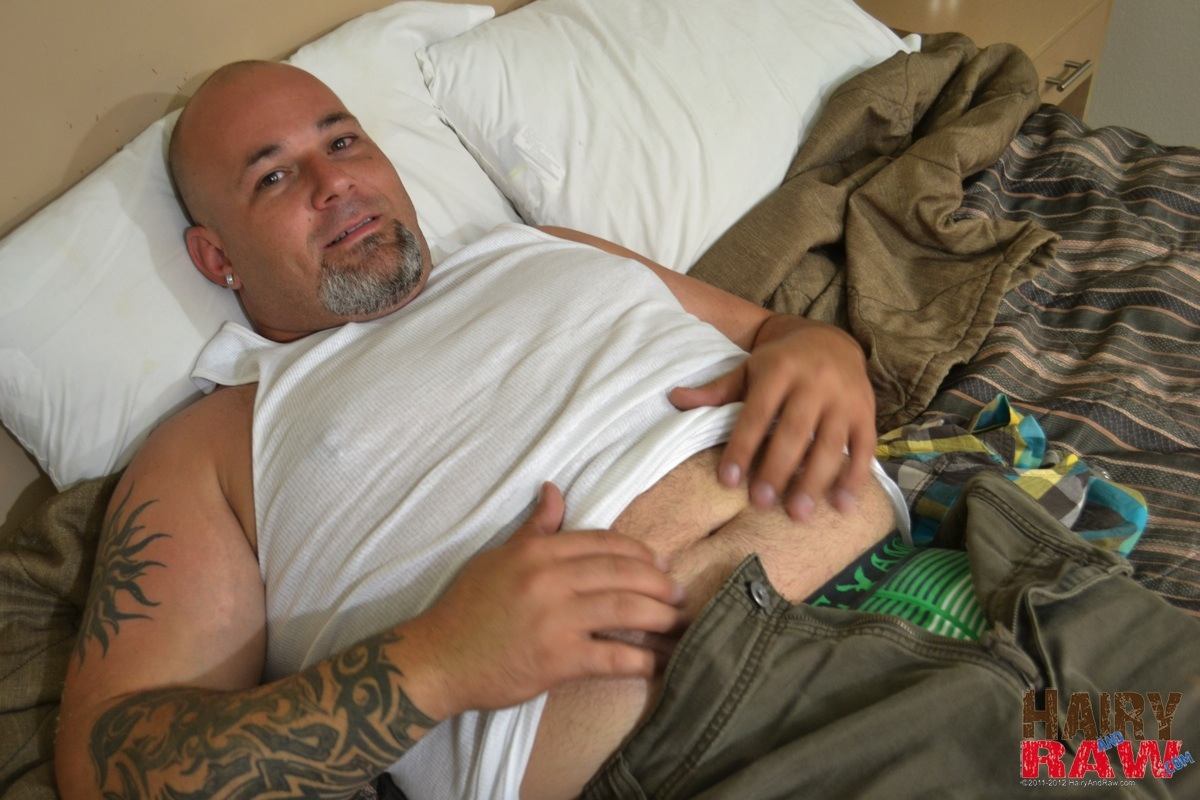 Strong Man Jerking Off On The Bigbed