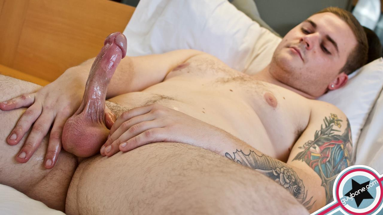 Guy-Bone-Brax-Bailey-Beefy-Guy-Jerking-Off-Huge-Cum-Shot-07 Beefy Boy Auditions For Gay Porn And Shoots A Huge Load Of Jizz